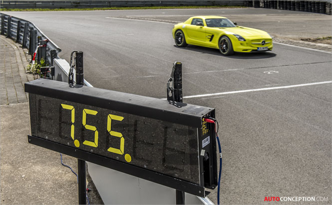 Mercedes-Benz-SLS-AMG-Coupe-Electric-Drive-Car-Design-Nordschleife-7-56-234-minutes-2