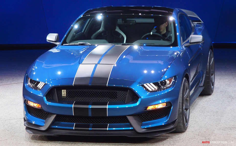 Ford Takes Wraps Off Hardcore Shelby GT350R Mustang