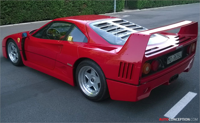 ferrari f40 sets record price at auction. Black Bedroom Furniture Sets. Home Design Ideas