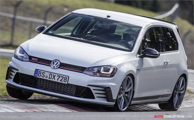 Volkswagen Golf GTI Clubsport S Breaks Nürburgring Record