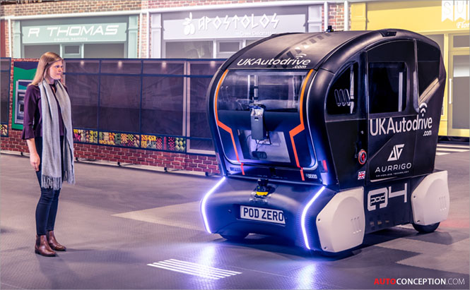 Jaguar Land Rover Develops New Road Projection Technology for Self-Driving Cars