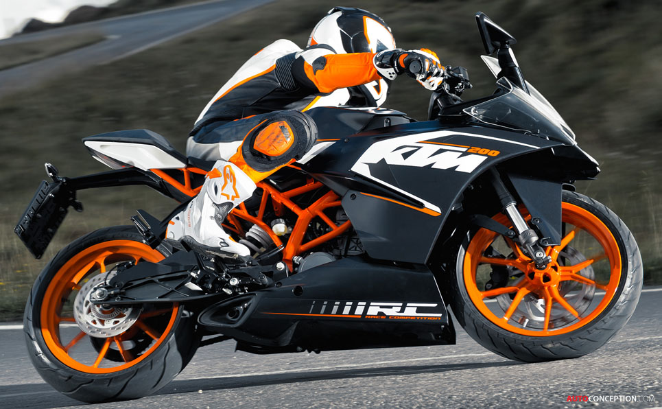 EICMA 2013: KTM Launches 1290 SUPER DUKE R and Supersport RC Models