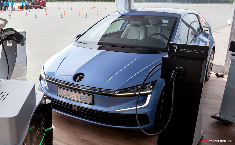 Volkswagen 'Gen.E' Previews Design of 2020 Golf ...